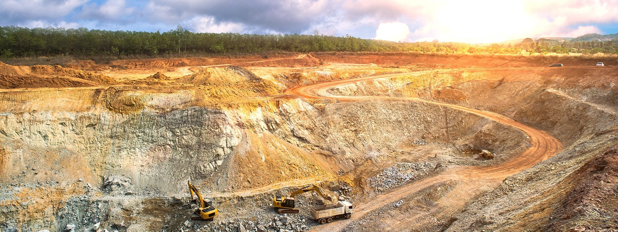 <strong>The Mineral Environment</strong><br><span>As chartered mineral surveyors we have the expertise to provide survey solutions in the coal, sand, stone, chalk or landfill environments.</span>